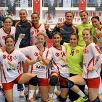 Muratpa�a Belediyespor �eyrek finalde